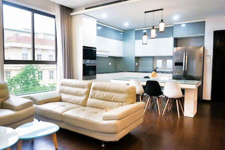 New! Entire 3BR In The Central Area & City View - Nguyễn Du - Wohnung