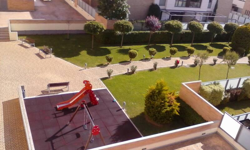 APTO. LUJO LOGROÑO CENTRO WIFI-PISCINAS-GARAJE- - Logroño - Appartement