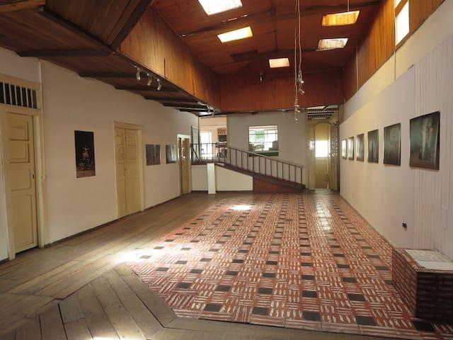 Residencia de Artistas - Armenia - House