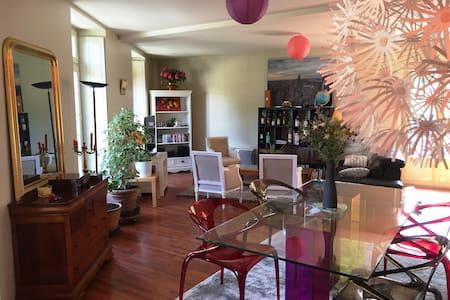 Appartement chic & élégant dans immeuble classé - Bagnoles-de-l'Orne - Lägenhet