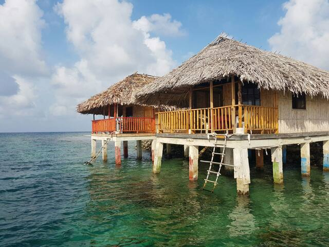 Cabañas Naranjo Chico (Mar) - Panama Guna Yala - Stuga