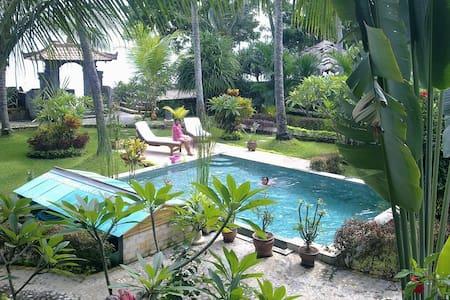 Villa Selina Deluxe villa room with A/C - Tejakula - Bed & Breakfast