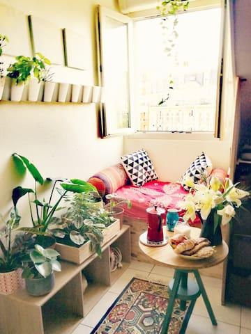 Studio place du père Lachaise Paris 11eme