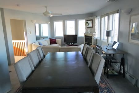 Top Floor of Waterfront Home w/ Private Access