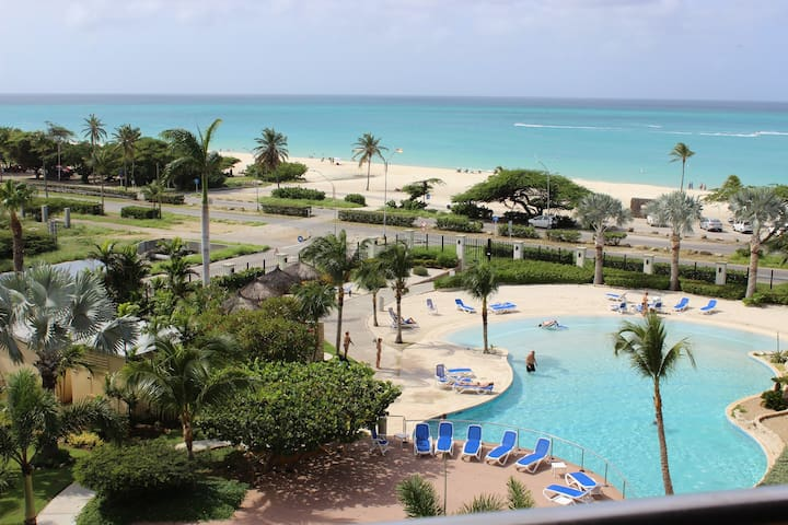Luxury Beachfront 3Bd 3Ba Penthouse at Oceania - Oranjestad - Oeste - Condomínio