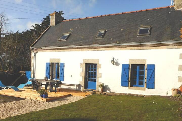 La maison aux volets bleus de Prat An Ilis