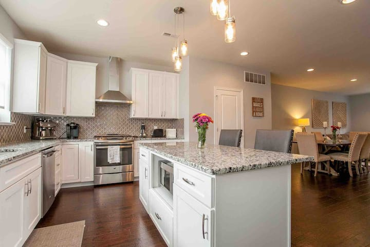 Luxury Living in Conshohocken!