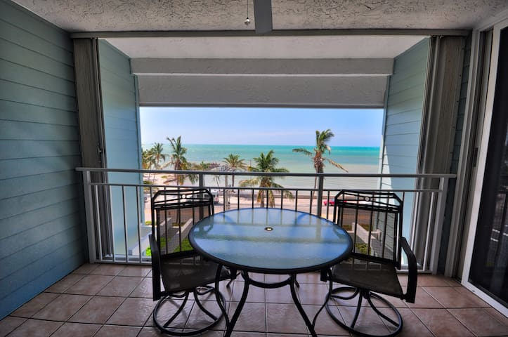Enjoy gentle ocean breezes and gorgeous views at Sea Orchid (La Brisa #405E)