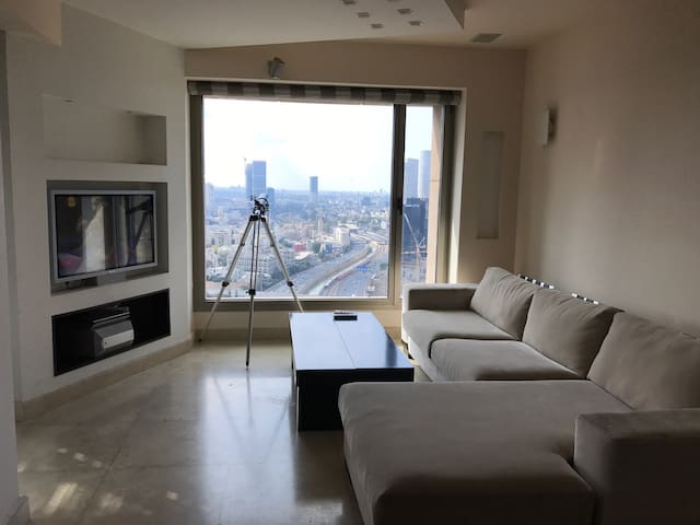 1 BR Apartment- 33rd floor-Leonardo City Tower - Ramat Gan - Daire