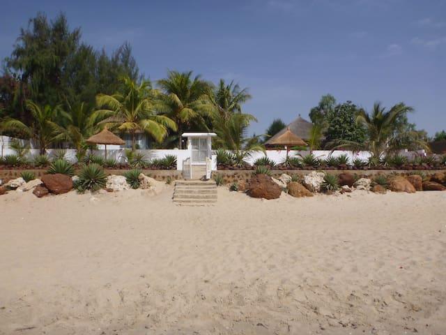 Villa Pied Dans L'eau située à Ouoran Nianing.