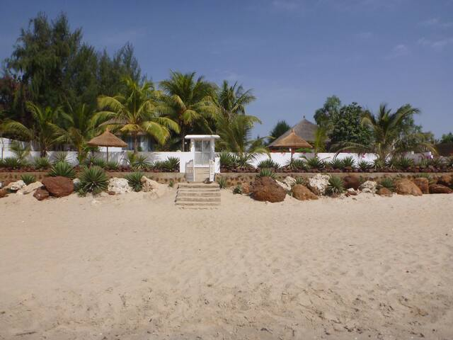 Villa  Pied Dans L'eau située à Warang/Nianing. - Ouoran - Вилла