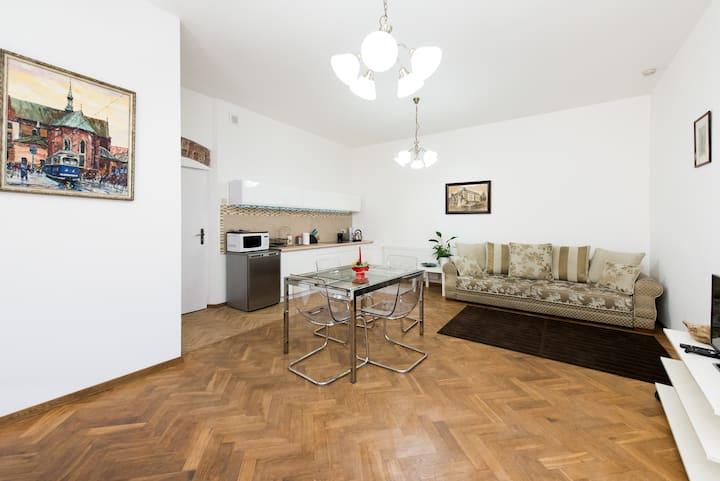 """Luxury """"Elegant"""" Apartment: 4+2 max"""