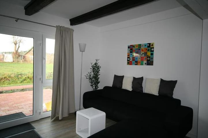 FeWo Kajüte Landhaus Sandra - Lütow - Wohnung