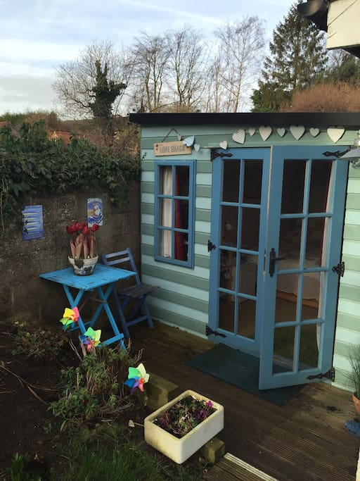 'The Love Shack' Quiet and Quirky! - Cottages for Rent in ...