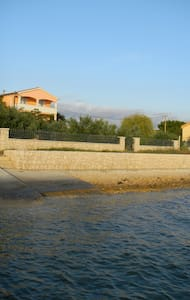 Konfort Ferienhaus am Strand und Atraktive Lage - Bibinje - Villa