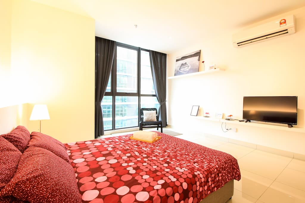 Spacious Studio with Queen Size bed