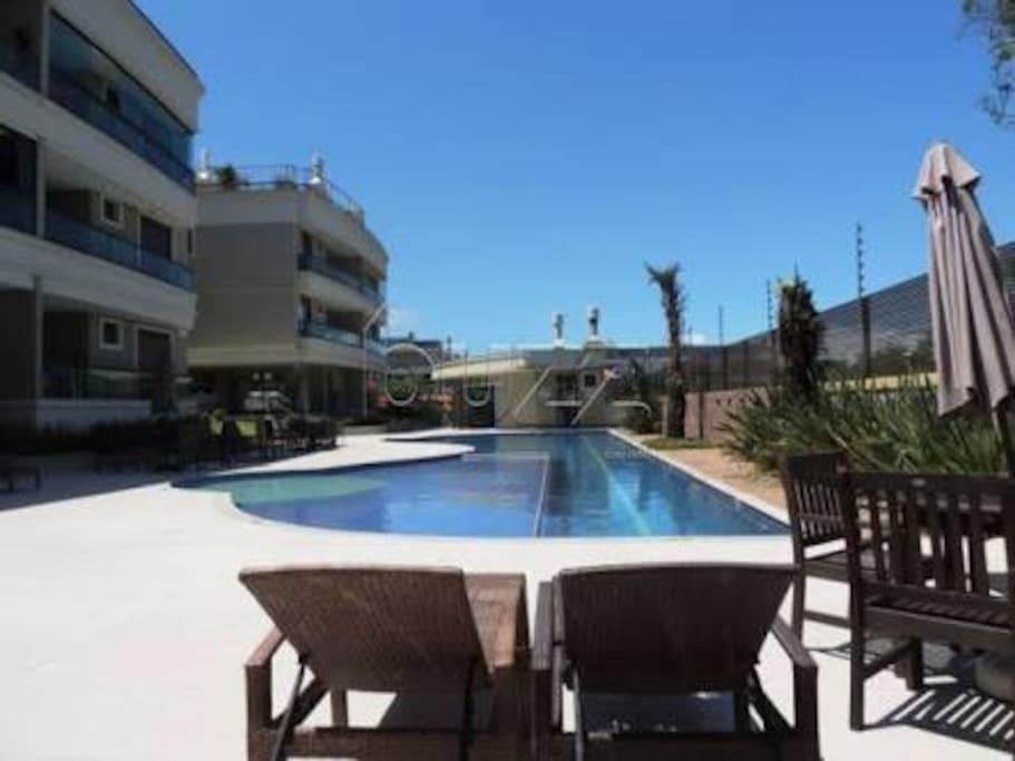 Area piscina condominio