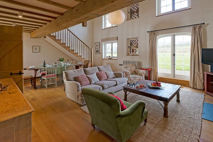 The Dairy, Collfryn Farm Cottages