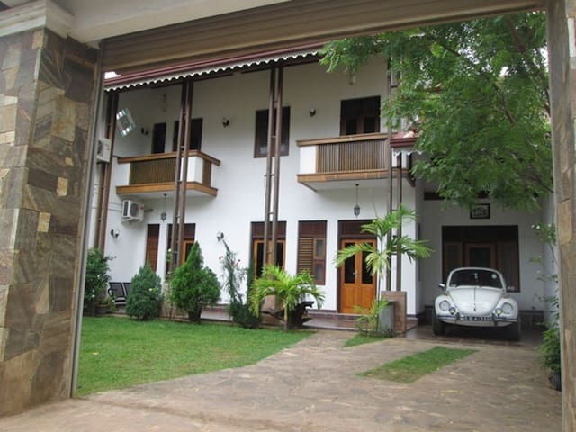 New fully furnished upstair house - Katunayaka - House