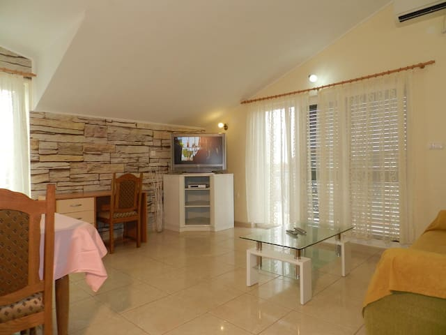 2-bedrooms apartment with sea view - Vodice