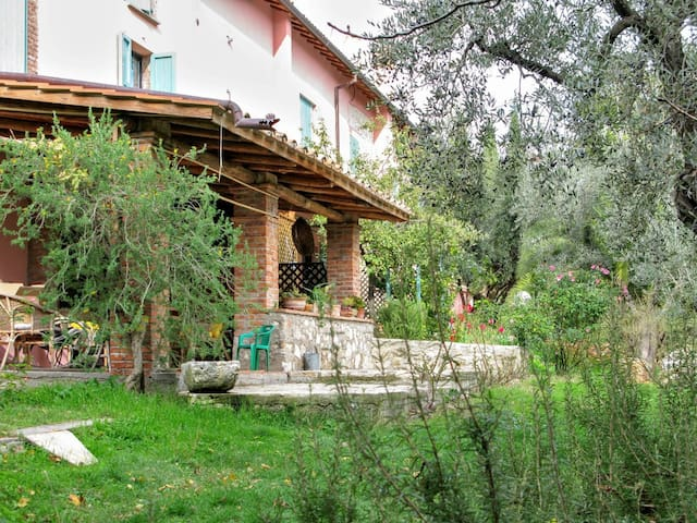 Casale Ferronio - Triple apartment Le Rose