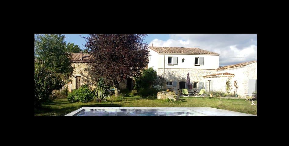 Belle demeure avec Piscine - Couquèques - Casa