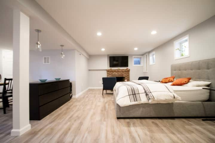 Discounted Basement Suite/Free Pkg /AU /TT metro