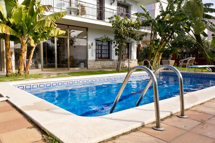 Luxury Villa in Sitges - Sitges - House