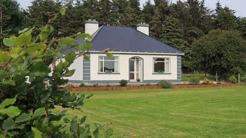 Green Acres  Self Catering Holiday Home - Claremorris - House