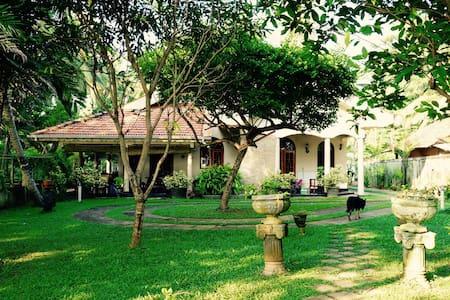 Negombo Rivergarden Villa (Room 1) - Apartament