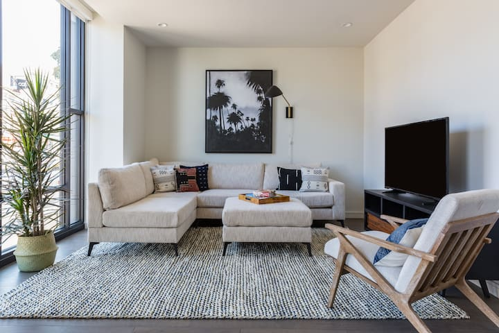Sonder | Lombard Apartments | Ideal 2BR + Rooftop