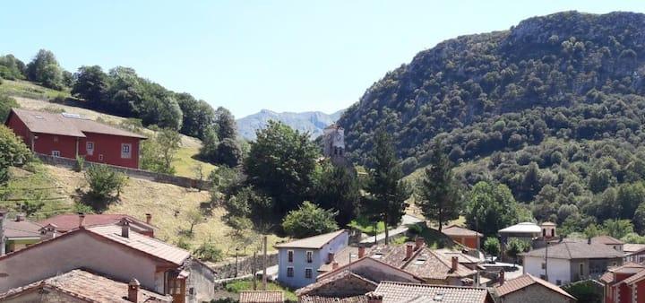 Atico, preciosas vistas en Cabrales