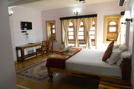 Stay near the Ancient Castle of Jaisalmer! - Jaisalmer - Bed & Breakfast