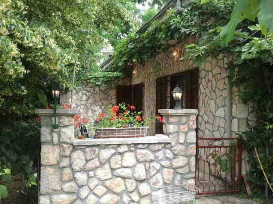 Rooms To Rent Stonehouse