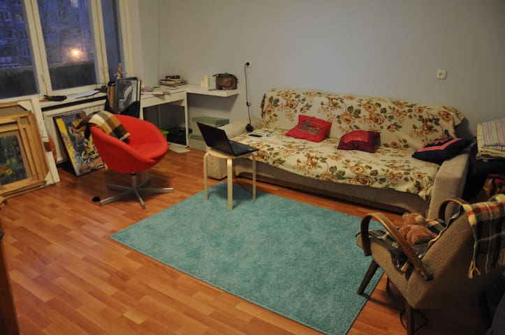 Comfortable room with balcony - Sankt-Peterburg - Apartament