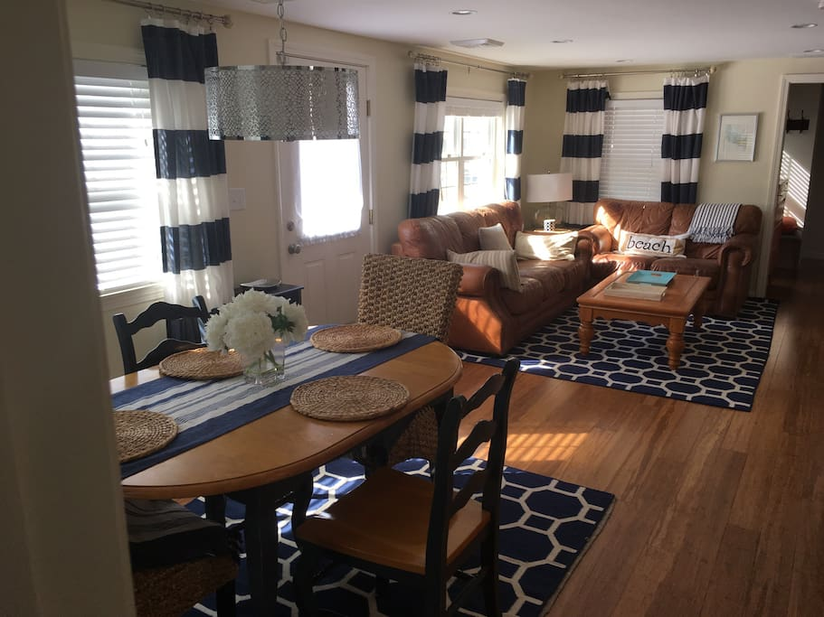 Family room / Dining area.