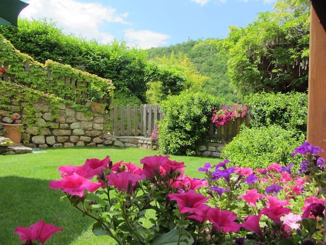 Appartamento con camino e giardino - Trento - Apartamento