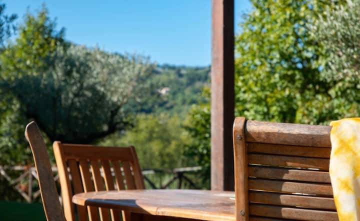 Colle Arponi, private villa with pool, Umbria