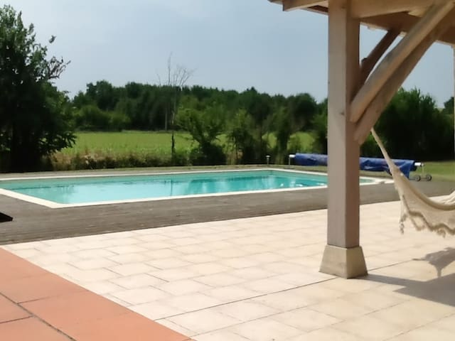 Peaceful gite with garden and pool - Monsempron-Libos - Huvila