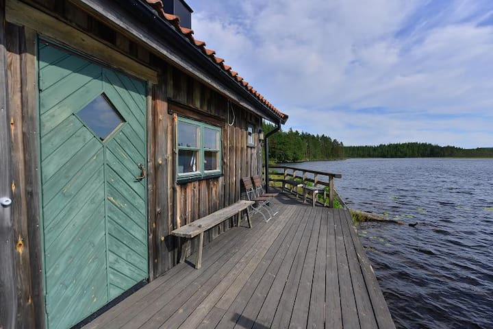 The sauna, with a nice porch.