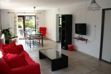 Appartement au bord de la rivière - Esneux