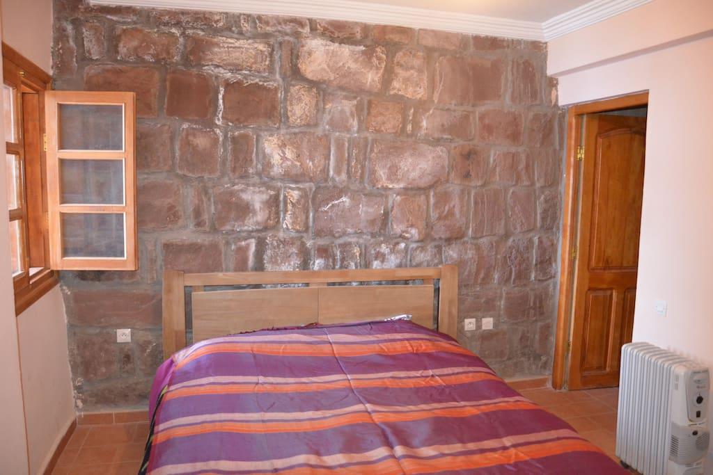 la suite parentale. L'autre  chambre contient deux lits superposés