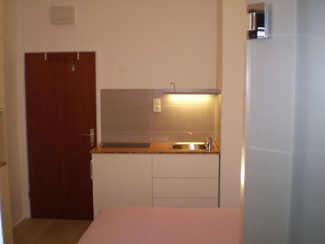 Small studio  kitchenette