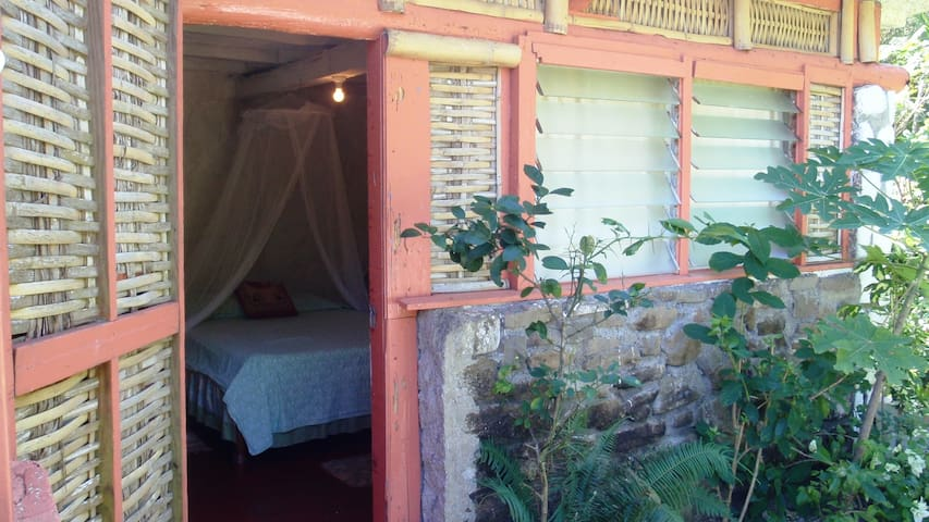 Single Room in 17th Cent. Renovated-Pirate Fort - Robins Bay, St. Mary, Jamaica