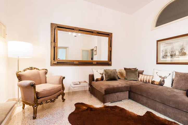 Lucchese living within the Walls! - Lucca - Apartamento