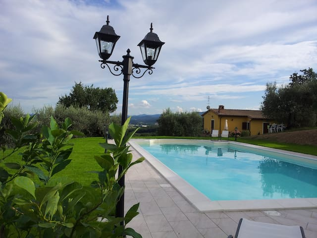 Charming house with private swimming pool - Perugia - Casa