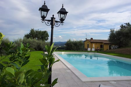 Charming house with private swimming pool - Perugia - Huis