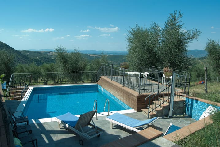 villa with 2 apartments - Castel del Piano - Appartement