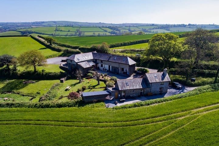 Self catering cottage, on farm. FULLY INSURED