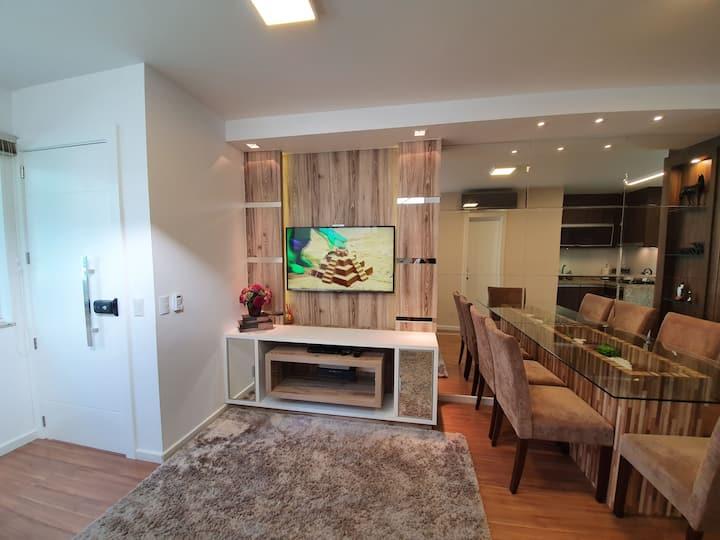 Casa bem mobiliada, excelente localização!!!